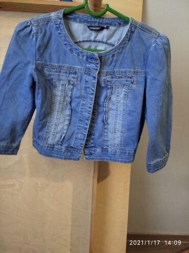 Курточка джинсовая,рукава до локтя почти новые