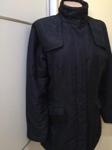 Ženska odeća | Bajina Basta: Crna jakna nalozena velicina 40. Dužina 81, poluobim pazuh pazuh 52