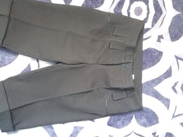 женские брюки классика в Кыргызстан: Шортыклассика 46 размер почти новые,женские