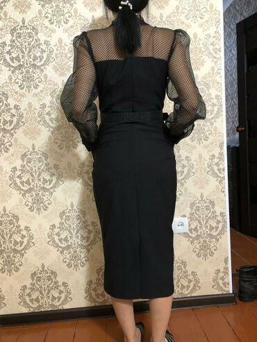 Платье вечернее размер 42 европейский, подходит на 46-48размер. Брала