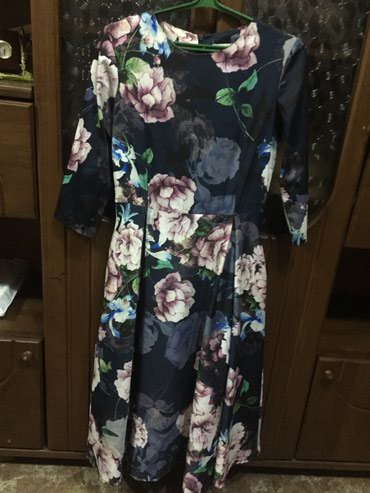Личные вещи - Юрьевка: Платье 46 размера пышненькое имеется фиолетовая ленточка на поясе