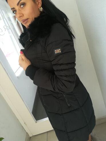 Carape sa prstima - Srbija: Divna jakna sa prirodnim krznom vel S M