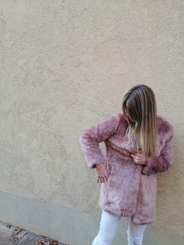 Bundu roze boje - Srbija: Bunda, velicina 38, nova, obucena jednom.Boja je kao sa slike