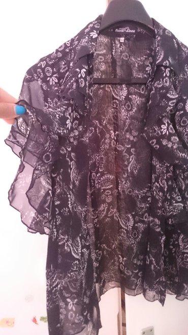 Košuljica broj 40, predivan materijal, lagana skroz.Uklopiva uz sve, - Belgrade