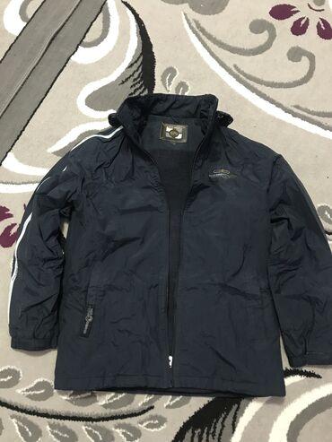 мужской плащ в Кыргызстан: Продаю куртку мужской оригинал размер ХХХL плащевое водонепроницаемый