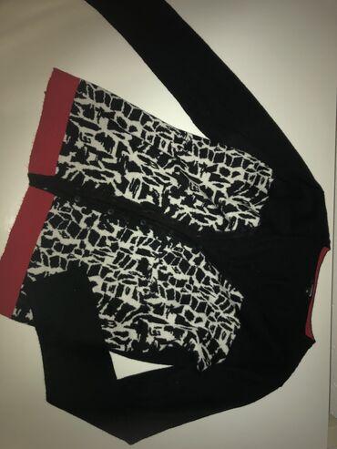in Tutin: Džemperić na raskopacavanje 38 može i kao jaknica preko majici