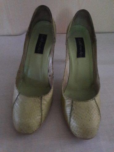 Туфли кожаные, б/у в хорошем состоянии. размер 39, каблук 9см