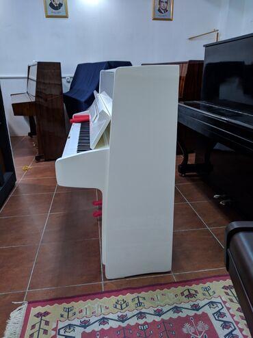 Bakida Almaniya istehsali Pianolar Satilir