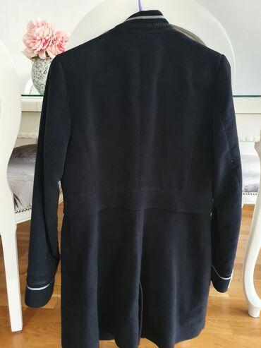 Suknjacine materijal - Srbija: ZARA Crni kaputic, materijal nalik plisu, S velicina, kao nov par puta