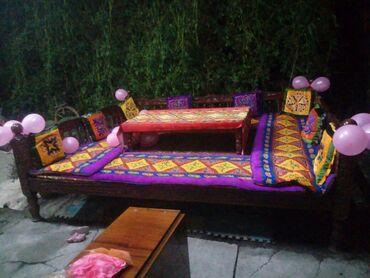 402 объявлений: Продаю тапчан деревянный резной 3 на 2.50