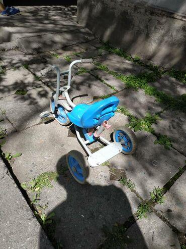 Детский велосипед. Б.у. в рабочем состоянии. На возраст примерно 2-4