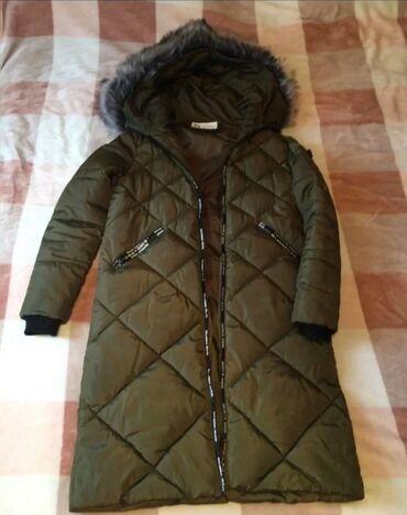 Продаю куртку 42,44 размерацвет хаки мне уже маловато,очень теплин