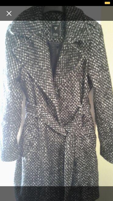 весеннее полупальто в Кыргызстан: Продаю пальто весенне осеннее сьемный меховой воротник размер М44
