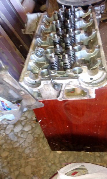 Nəqliyyat - Göytəpə: Ford tranzit5+1.qabaq viduwi.2 turbo motorun qalofqasi.tam idealdi