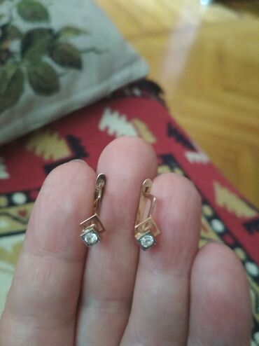 Золотые серьги с фианитами 583пробы.Вес 3,4гр