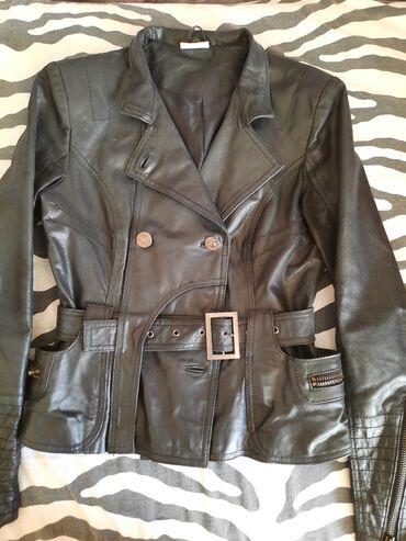 Ženske jakne | Nis: Strukirana kožna jakna. Odlično stoji. U odličnom je stanju. Fali