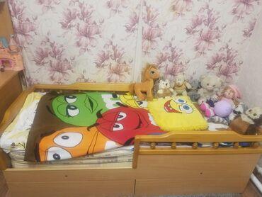 Односпальные кровати - Кыргызстан: Продаю детскую (подростковую) кровать