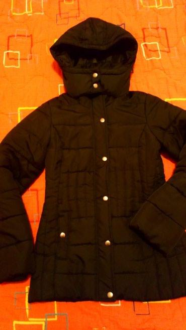 Topla ženska jakna,marke F/F, u odličnom stanju, nedostaje samo cica in Novi Sad