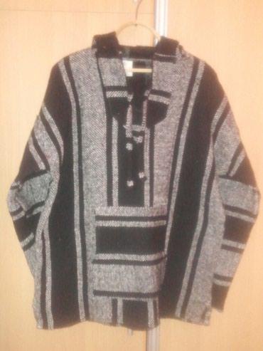 Мужская кофта с капюшоном .Размер XL в Бишкек