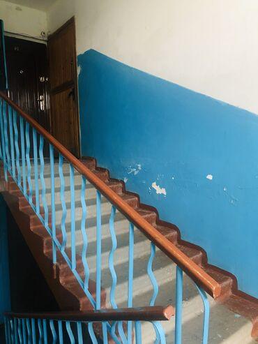 Продажа квартир - Бишкек: 104 серия, 2 комнаты, 46 кв. м Бронированные двери, Парковка, Не затапливалась