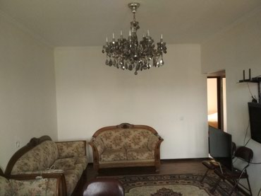 Продаю 3 кв Гоголя111/чуй 105 серия с ремонтом 5/5 неуг.кухня студия. в Бишкек