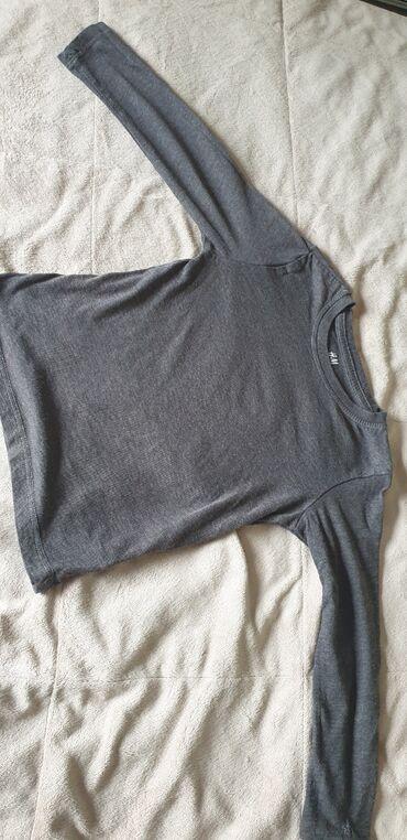 Dečiji Topići I Majice   Arandjelovac: Majica za decaka, dugih rukava. Velicina 2-4 godine