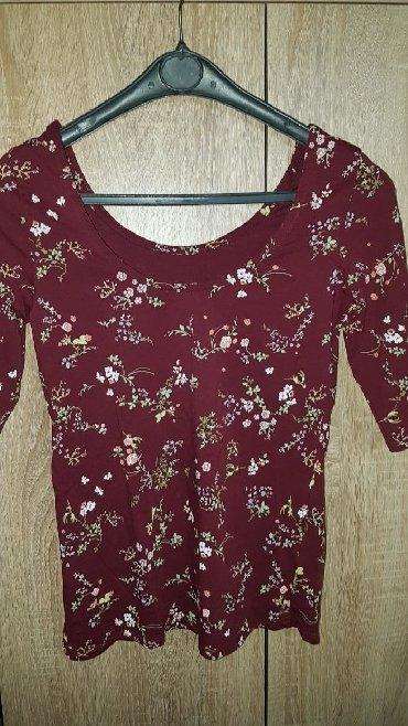 Ženska odeća | Negotin: Razne bluzice cena po bluzi je 400 din. Veoma lepog materijala, bez
