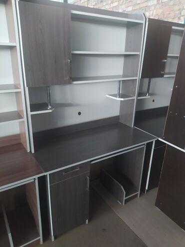 компьютеры за 5000 в Кыргызстан: Новые компьютерные столы с полками. 5000 сом доставка по городу