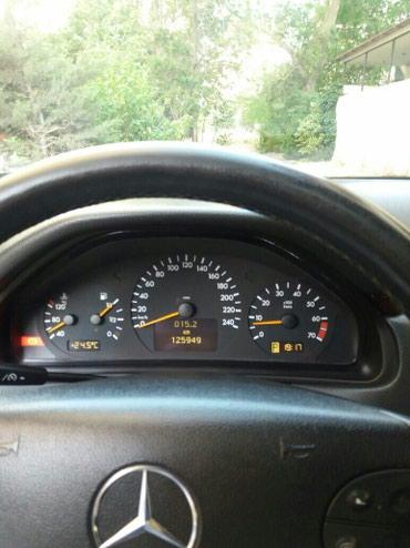 Bakı şəhərində Mercedes-Benz E 240 2000