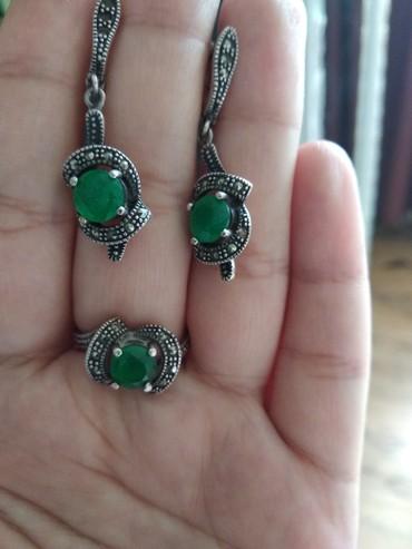 серебряный комплект с красными камнями в Кыргызстан: Серебряный комплект сережка и кольцо 18р