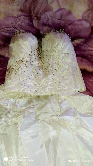 Продам свадебное платье,шито на заказ, требуется только пропаритьтак