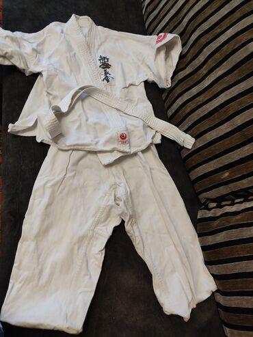 Продаю детское кимоно на 4-6 лет