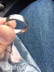 чёрное кольцо из вольфрама в Кыргызстан: Продаю кольцо тангстин (вольфрам), размер 17