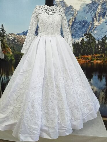 Токмок. Продаю свадебное платье размер 44-46