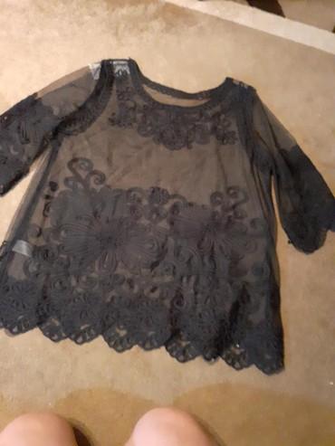 Crna bluza sdugim rukaviz italij - Srbija: Crna bluza od tila,sa rafom poentlasa.Svecana,za izuzetne prilike