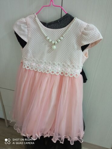 детские платья со шлейфом в Кыргызстан: Детские платья две черные 6-8лет персиковая и бирюзовая и юбка на