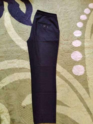 Брюки женские в идеальном состоянии 7/8 размер М цена 750 в Бишкек