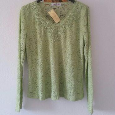 Nova svecana zelena bluza sa nasivenim biserima iste boje. Ramena 38, - Ruma