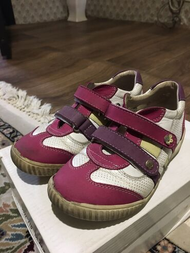 Качественная обувь на девучку. Размер:30. Цена:200. Адрес: Рабочий