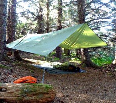 Praktična tenda za boravak u prirodi dimenzija 4 x 4 m. Tenda - Beograd