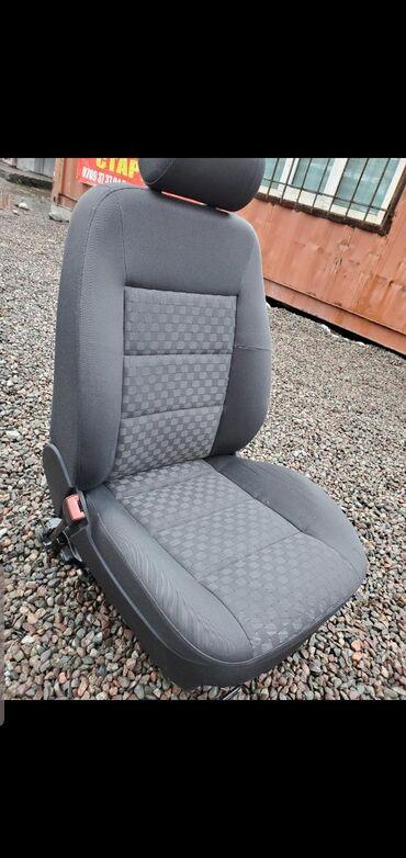 Продаю сиденье от Ауди а6 с5 (Audi a6 c5) водительская сторона