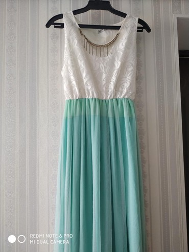 платье из вискозы на лето в Кыргызстан: Продаю платье лето-весна. В хорошем состоянии. Надевала на выпускном и