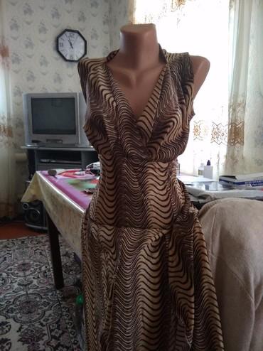 Женская одежда в Каинды: Платье очень нарядное, с разрезами подойдёт на 52-54 250 сом