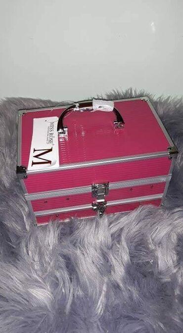 Ostalo   Krusevac: ❤Miss Rose Veliki kofer sa sminkom❤*94 senki *12 ruzeva*12 kremastih