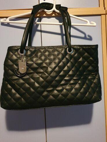 Chanel 5 torba sa privescima