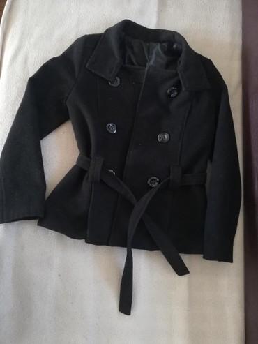 Ženska odeća | Rumenka: Kratak zenski kaput vel M,jako lepo ocuvan