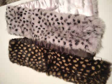 Krzneni kaputi - Nis: Mace koje se kace na jaknama ili kaputima, nikad nosene. Braon I roze