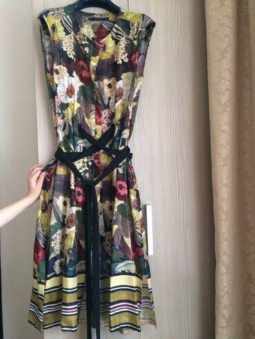 Zara платье на пуговицах, размер L, длина ниже колена, 100% натуральны
