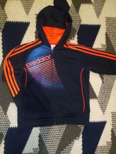 Спортивная куртка от adidas. На 10-12 лет. в Бишкек