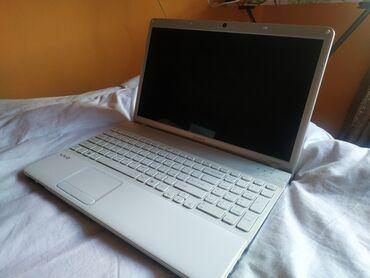 Sony - Кыргызстан: Продается Ноутбук (Б/У) Цена договорная. Шлейф чуть-чуть глючит, но мо